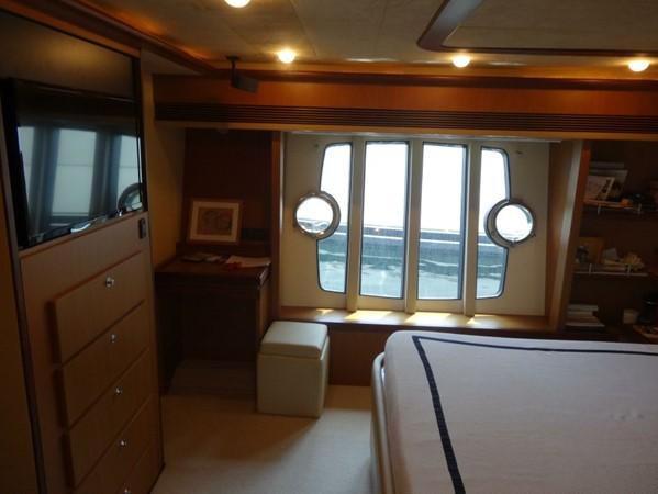 2005 FERRETTI  Mega Yacht 2036991