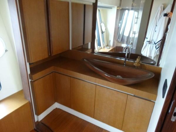 2005 FERRETTI  Mega Yacht 2036994