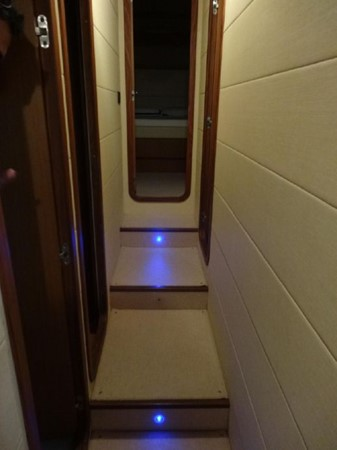 2005 FERRETTI  Mega Yacht 2037005