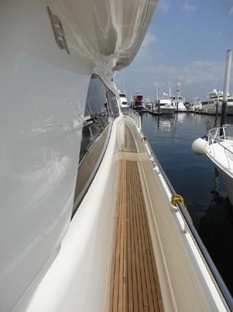 2005 FERRETTI  Mega Yacht 2037027