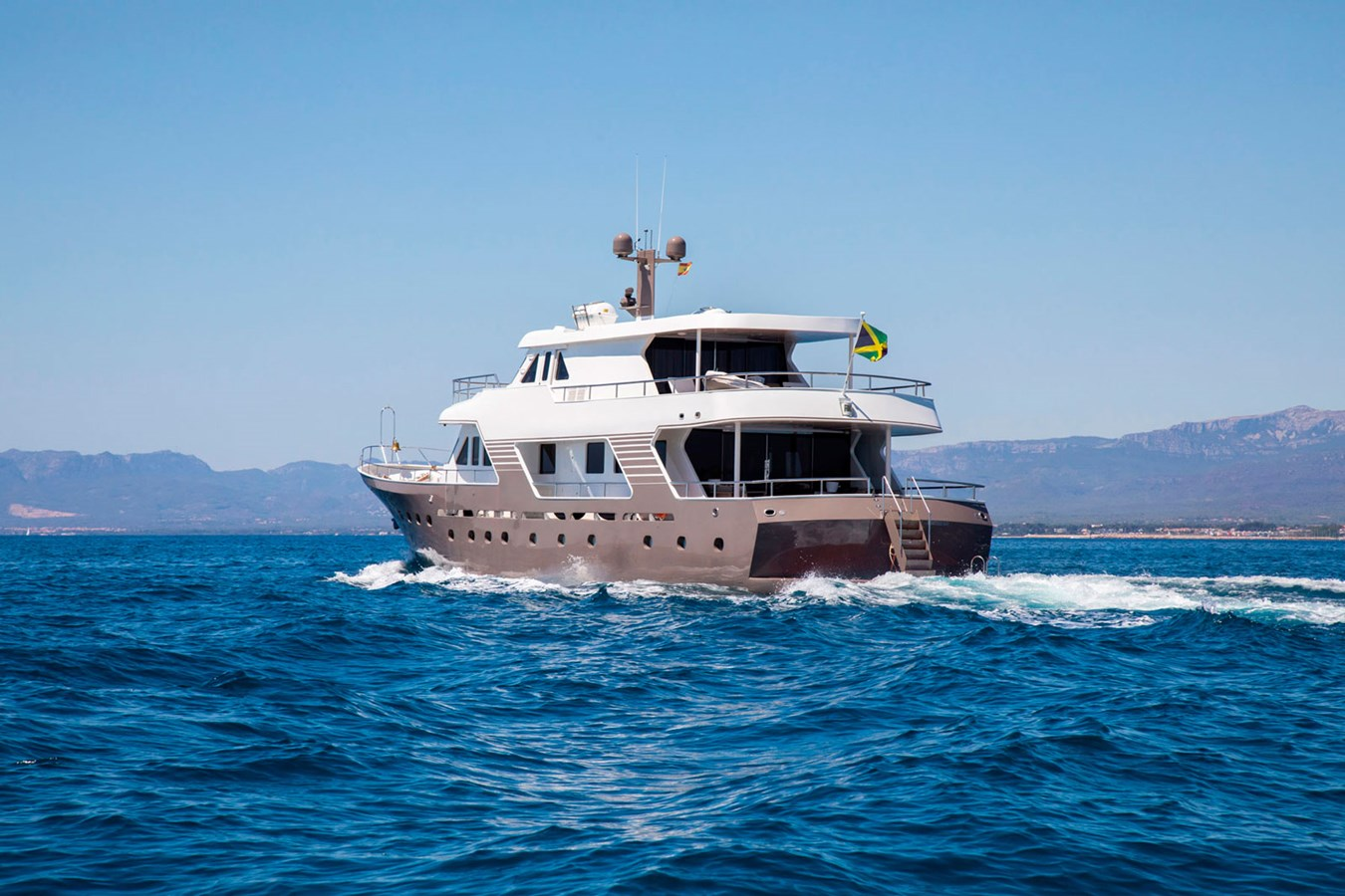 Witsen-and-vis-33m-Yacht-Aft-View-Running 1971 Witsen & Vis  Motor Yacht 2680998