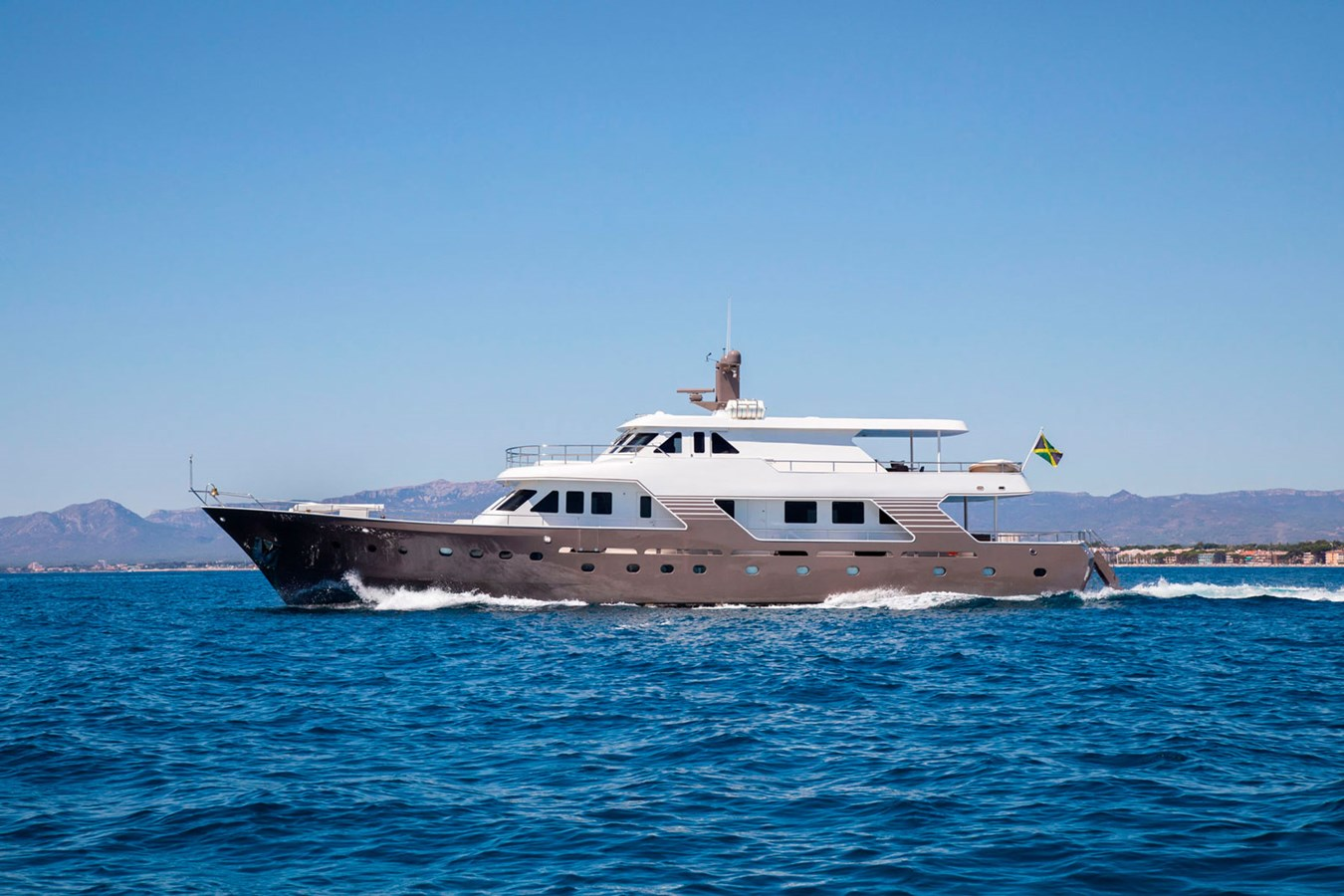 Witsen-and-Vis-33m-Yacht-for-sale-Profile-Principal 1971 Witsen & Vis  Motor Yacht 2681011