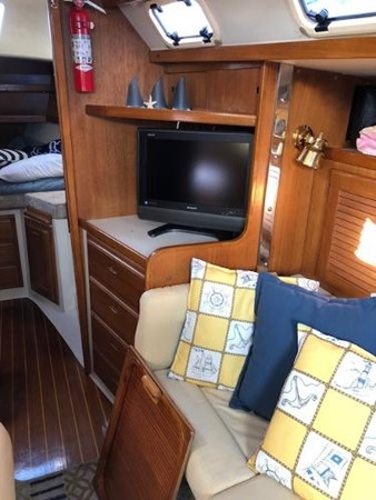 Flat Screen TV that Hides Away 1993 CATALINA 36 Cruising Sailboat 2038725