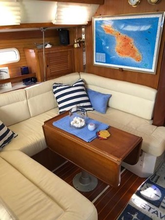 Custom Dinette and Settee 1993 CATALINA 36 Cruising Sailboat 2038726