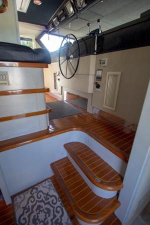1985 BROWARD Raised Pilot House  2093881