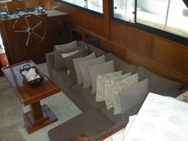 1989 CARVER 48 Californian Motor Yacht 2047963