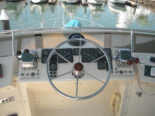 1989 CARVER 48 Californian Motor Yacht 2047980