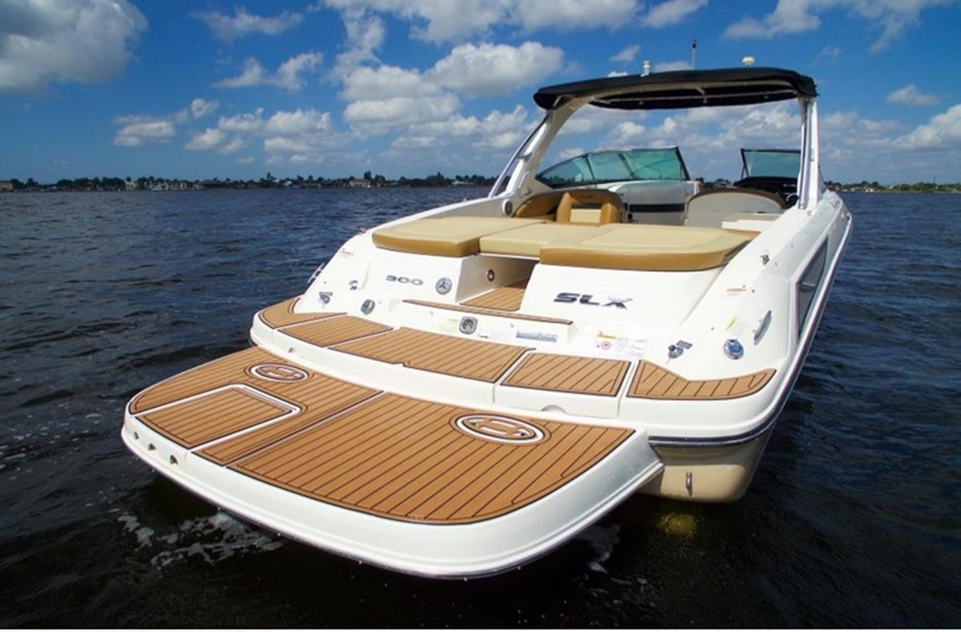 2014 SEA RAY 300 SLX Runabout 2050254