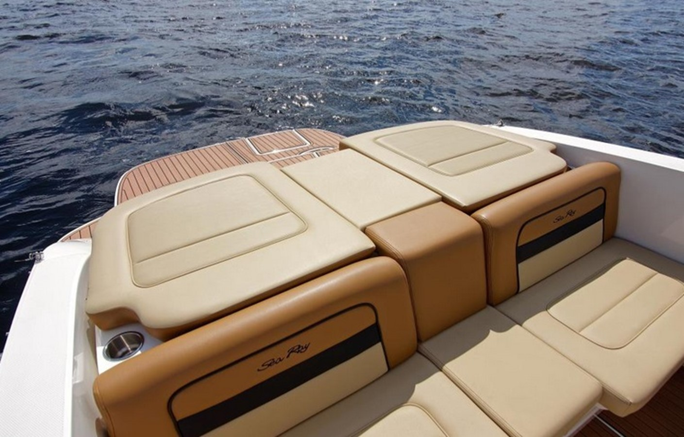 2014 SEA RAY 300 SLX Runabout 2050266
