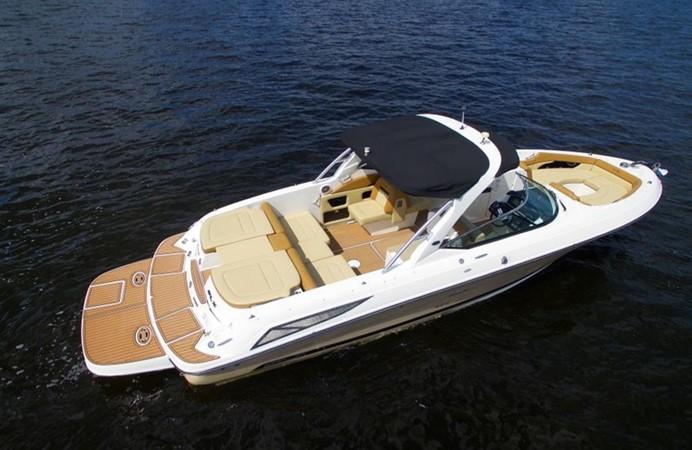 2014 SEA RAY 300 SLX Runabout 2050256