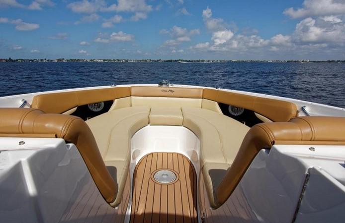2014 SEA RAY 300 SLX Runabout 2050260