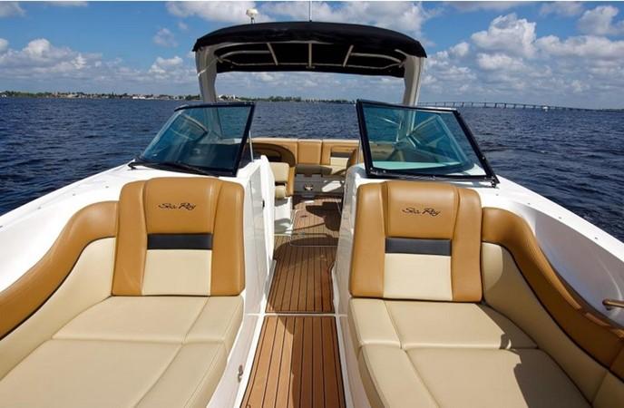 2014 SEA RAY 300 SLX Runabout 2050265
