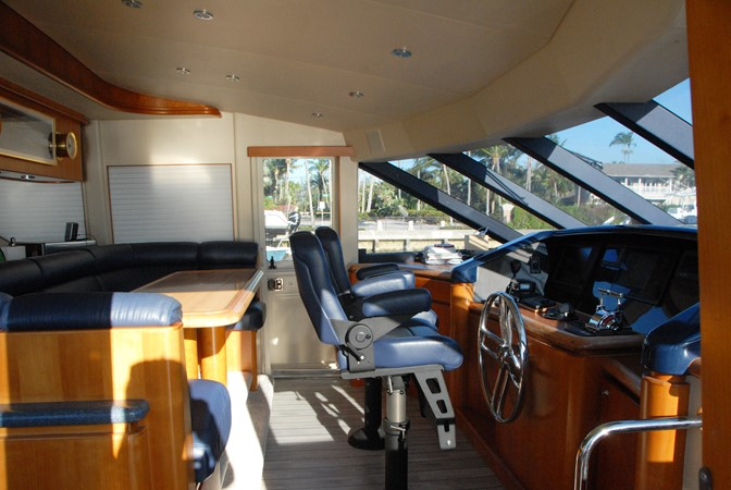 Pilothouse / Settee 2003 WEST BAY SONSHIP   2053316