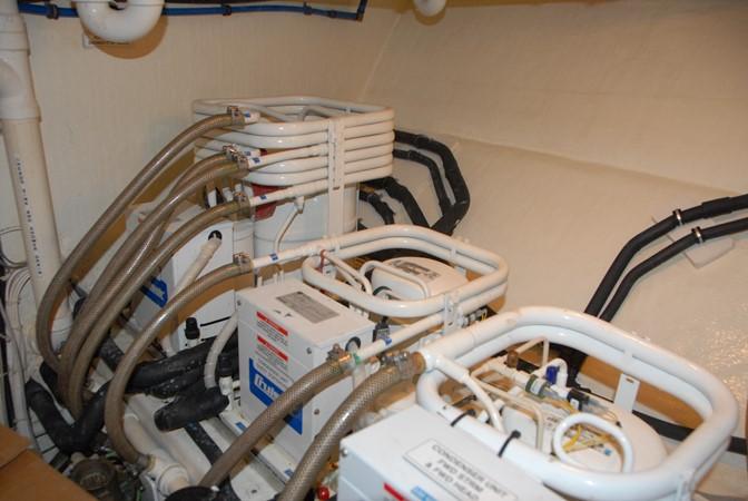 Engine Room 2003 WEST BAY SONSHIP   2053327