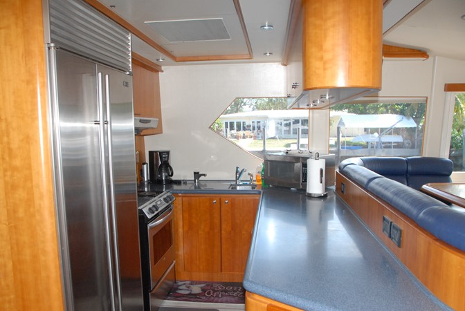 Galley 2003 WEST BAY SONSHIP   2366440