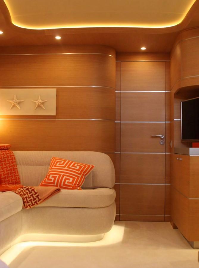 2005 AB YACHTS  Motor Yacht 2057225