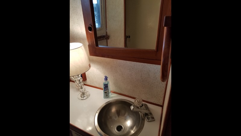 1988 Krogen 36 17 Head vanity sink 1988 KADEY KROGEN 36 Manatee Tender 2062759