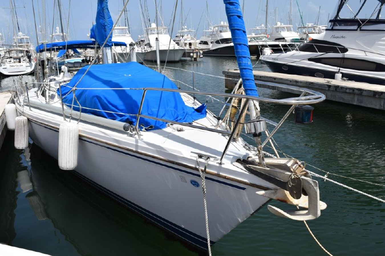 1990 CATALINA 42 Cruising Sailboat 2068111