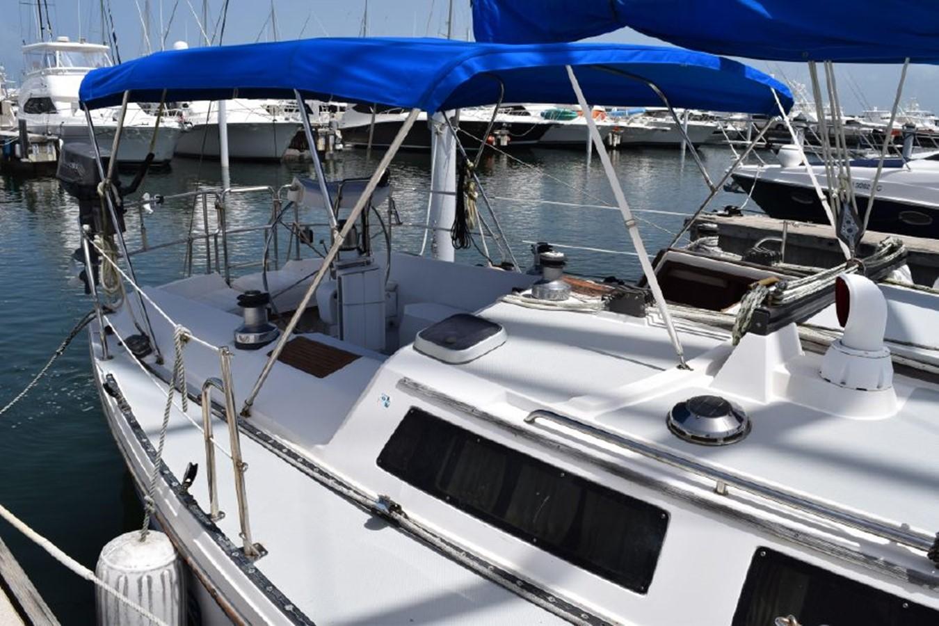 1990 CATALINA 42 Cruising Sailboat 2068113