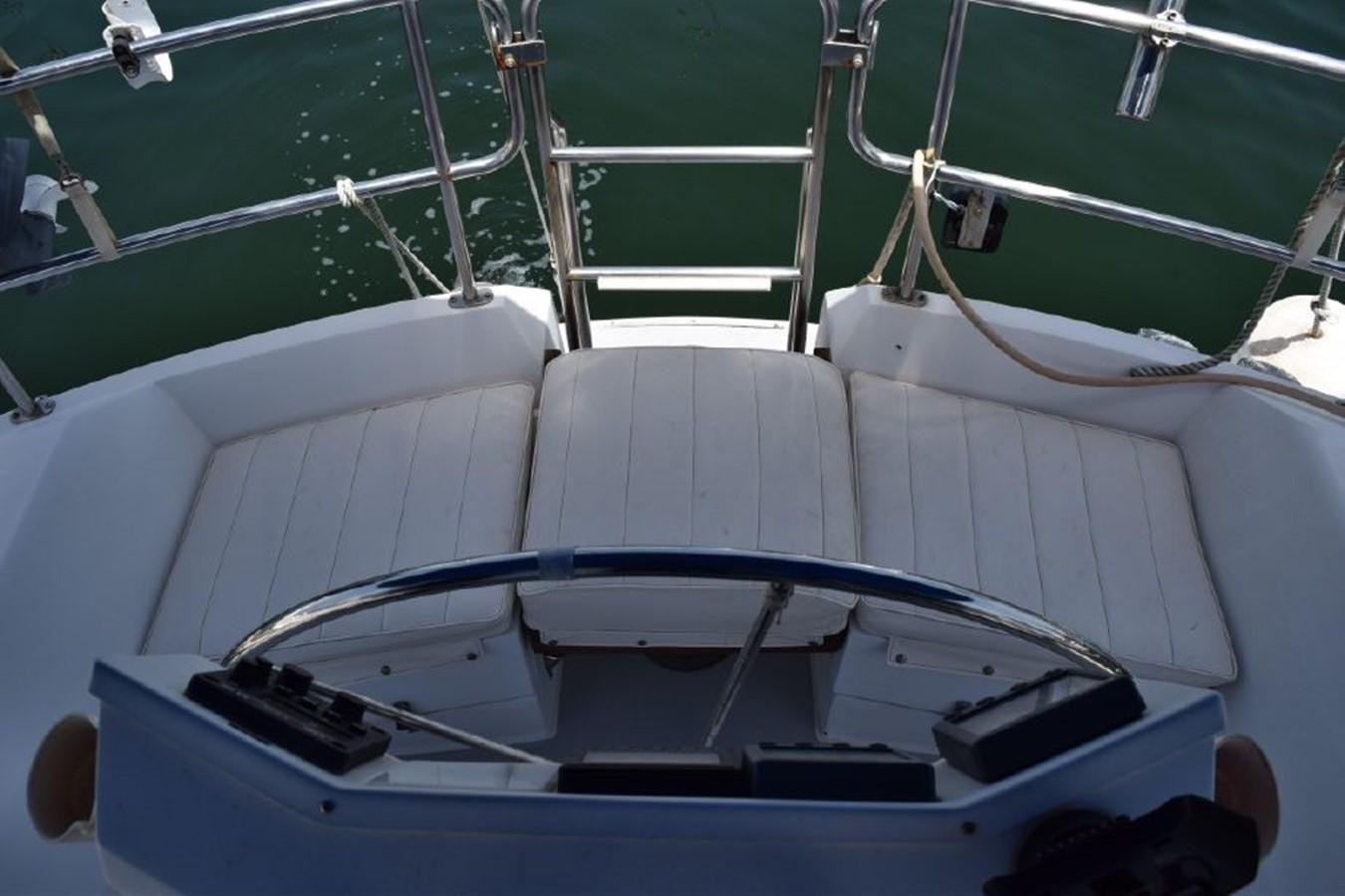 1990 CATALINA 42 Cruising Sailboat 2068120