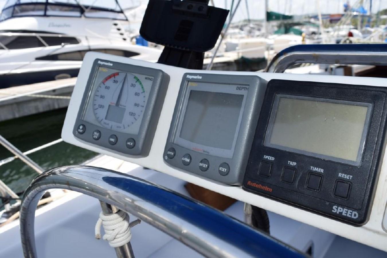 1990 CATALINA 42 Cruising Sailboat 2068122