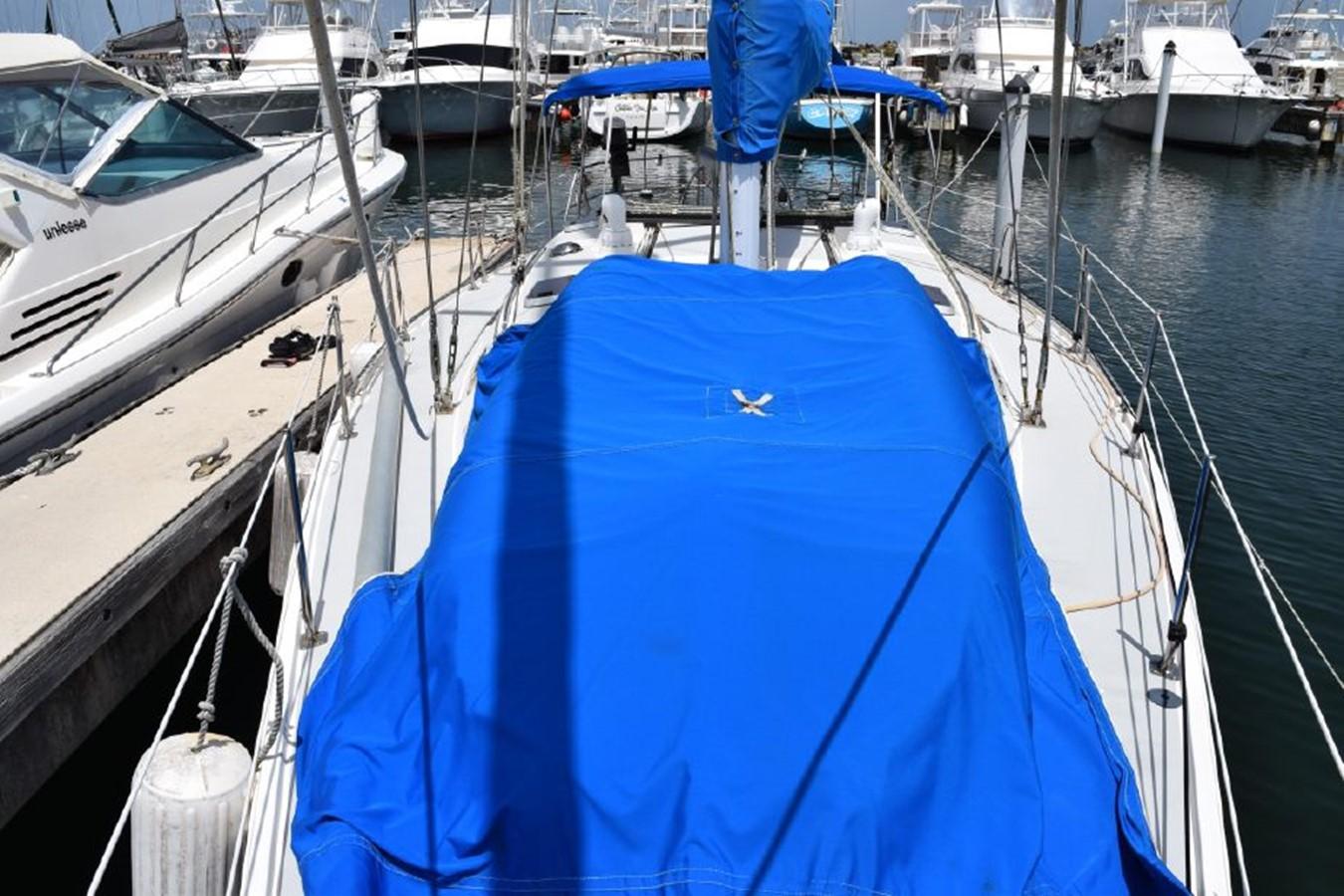 1990 CATALINA 42 Cruising Sailboat 2068126
