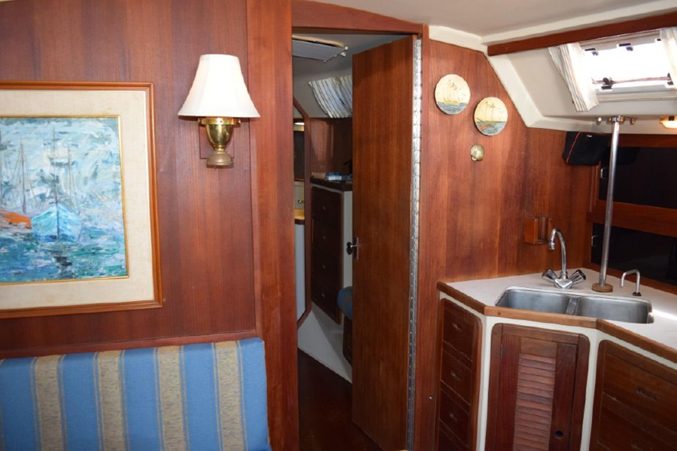 1990 CATALINA 42 Cruising Sailboat 2068139
