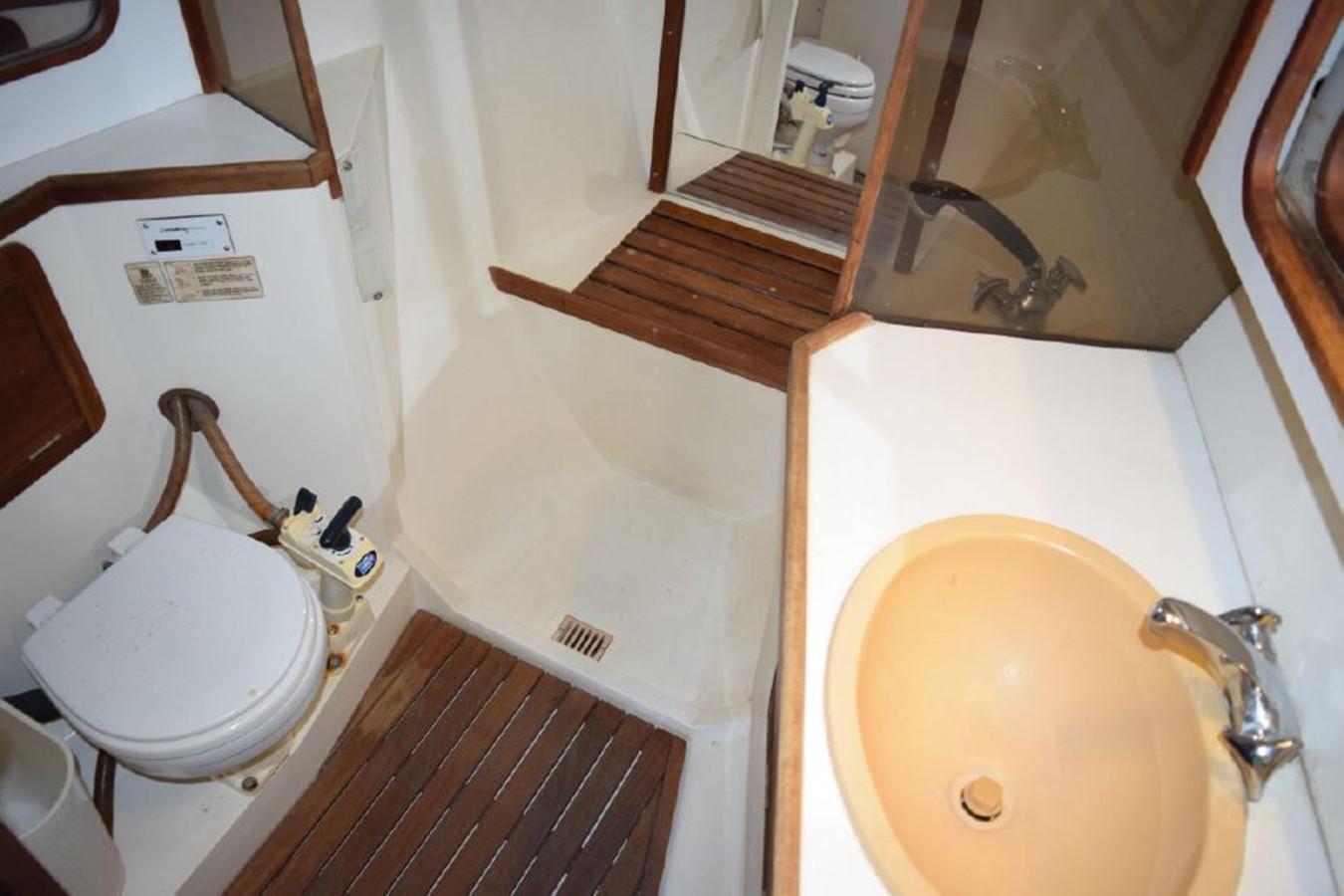 1990 CATALINA 42 Cruising Sailboat 2068140