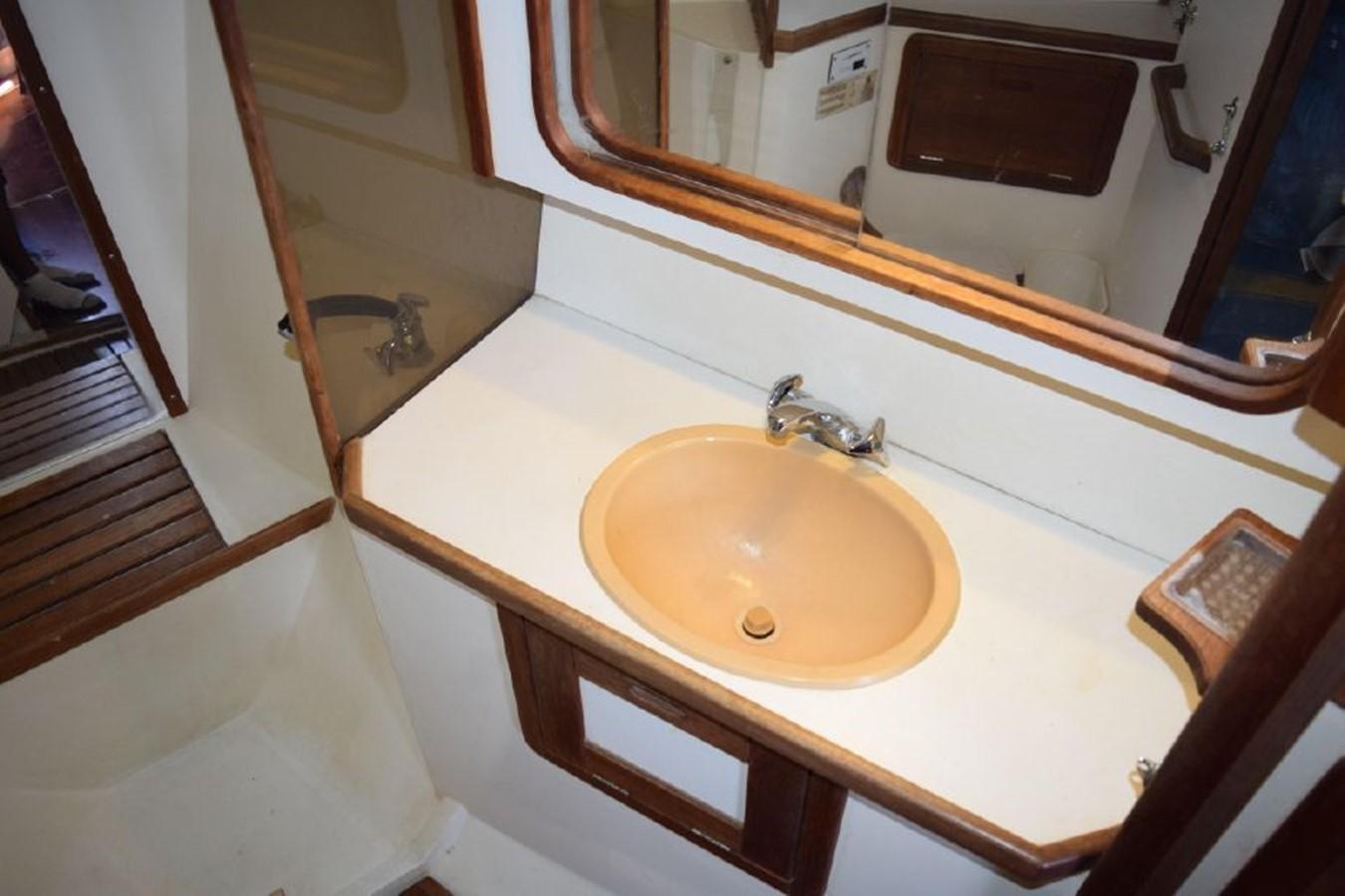 1990 CATALINA 42 Cruising Sailboat 2068141