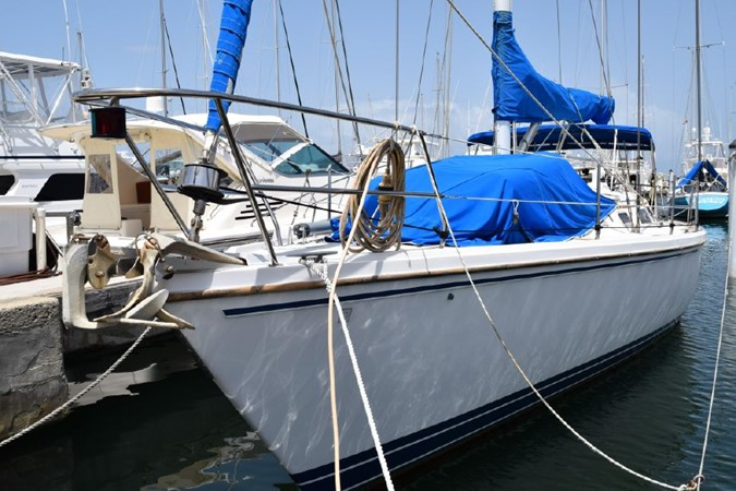 1990 CATALINA 42 Cruising Sailboat 2068109