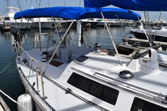 1990 CATALINA 42 Cruising Sailboat 2068113