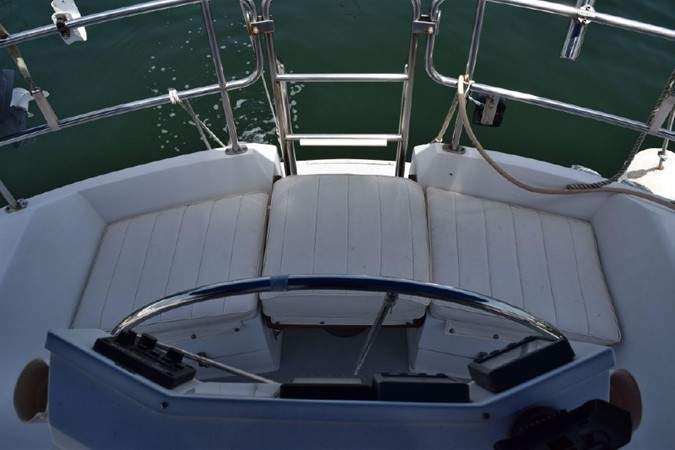 1990 CATALINA 42 Cruising Sailboat 2068120