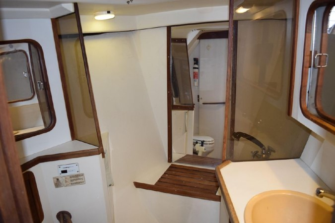 1990 CATALINA 42 Cruising Sailboat 2068142