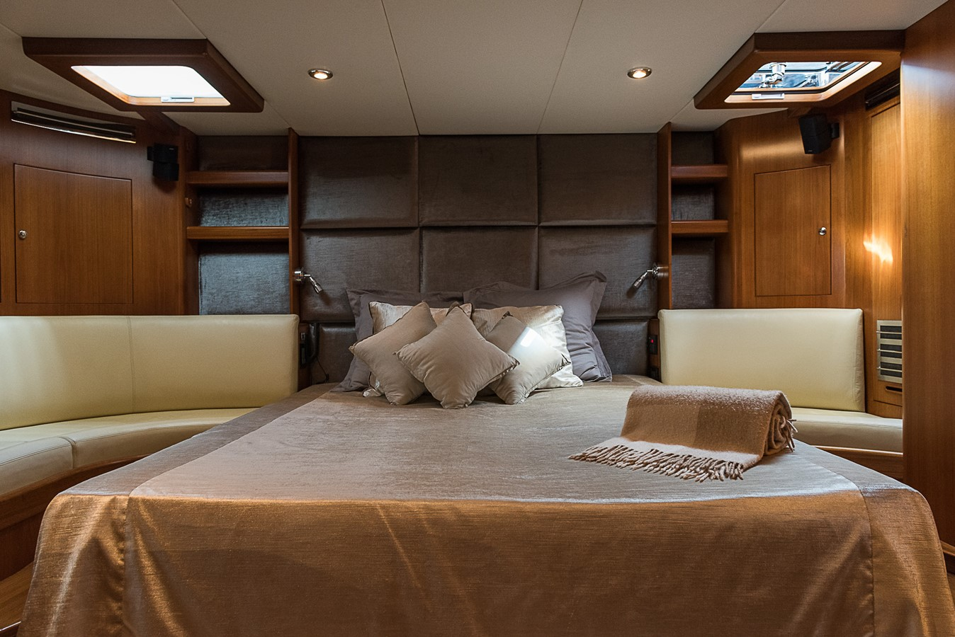 2000 NZ Yachting Development Ltd.   Sloop 2364432
