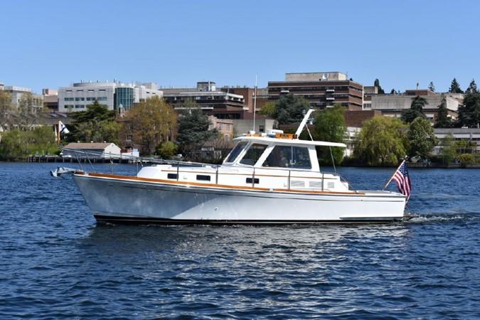 2000 GRAND BANKS Eastbay HX Motor Yacht 2082708