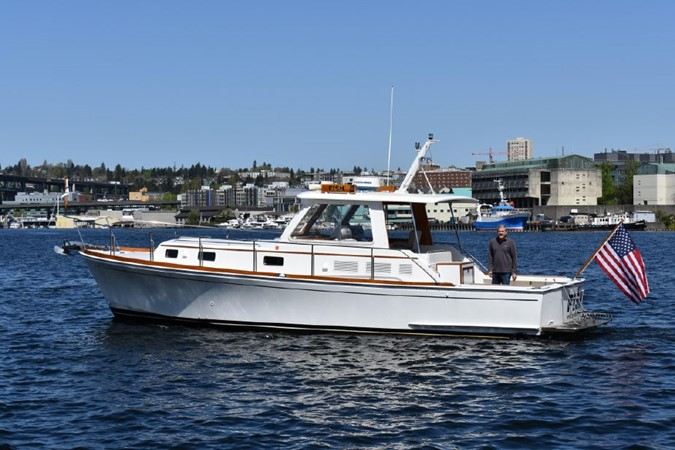 2000 GRAND BANKS Eastbay HX Motor Yacht 2082712