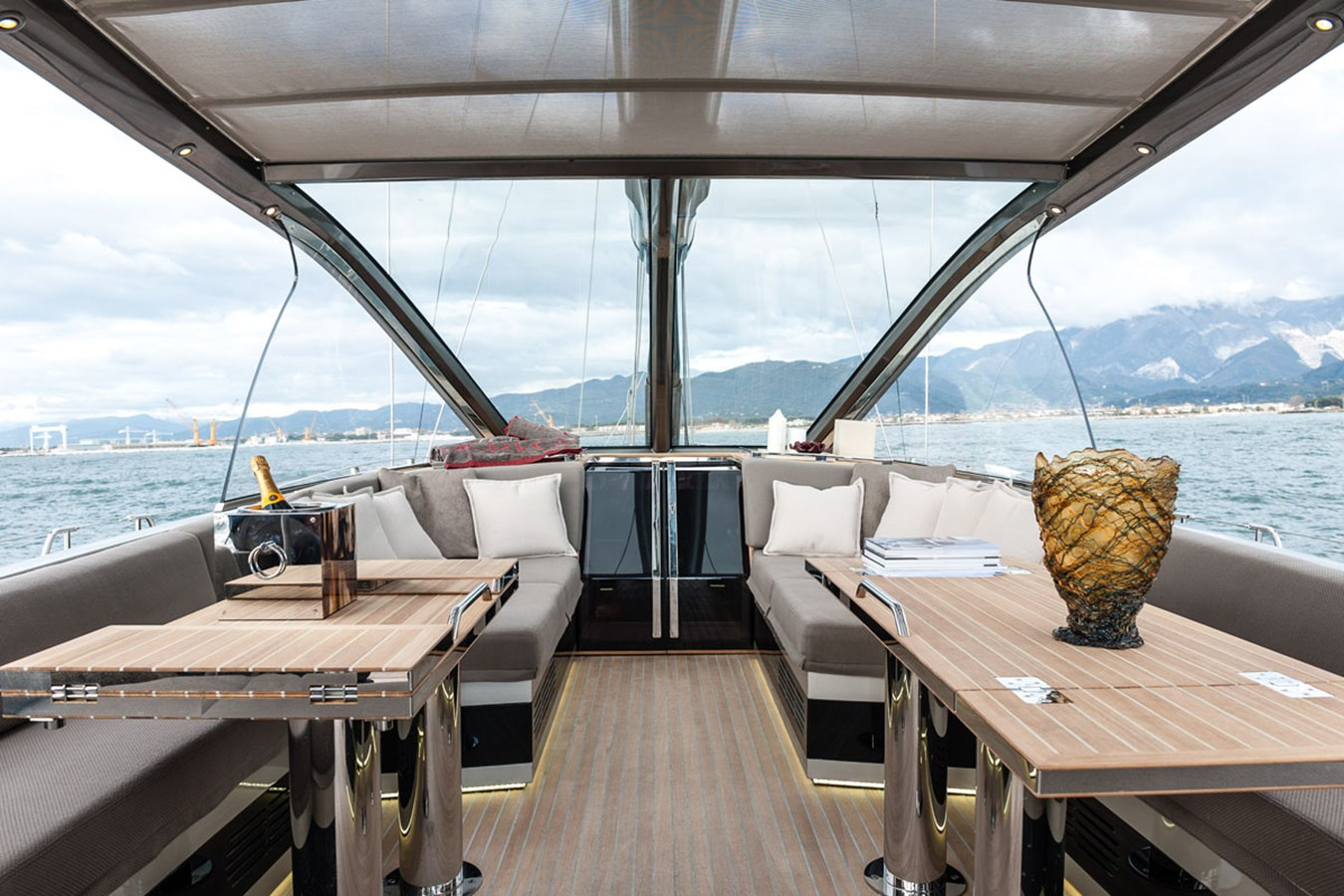 2015 ADMIRAL Silent 76 Classic Yacht 2095682