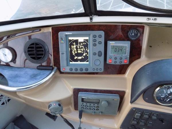 Carver 444 Cockpit Motor Yacht Electronics 2002 CARVER 444 Cockpit Motor Yacht  2100361