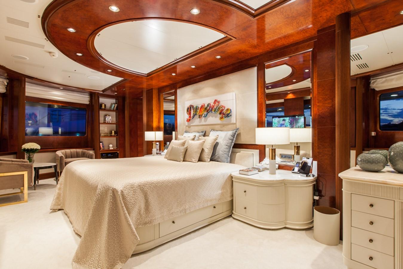 2004 GOLDEN YACHTS  Mega Yacht 2161835