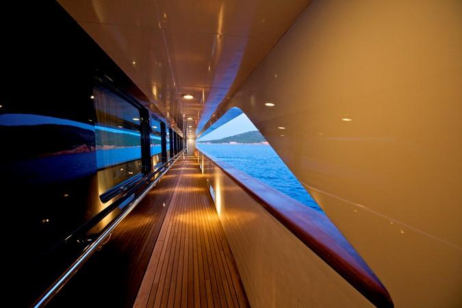 2004 GOLDEN YACHTS  Mega Yacht 2161809