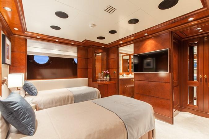 2004 GOLDEN YACHTS  Mega Yacht 2161813