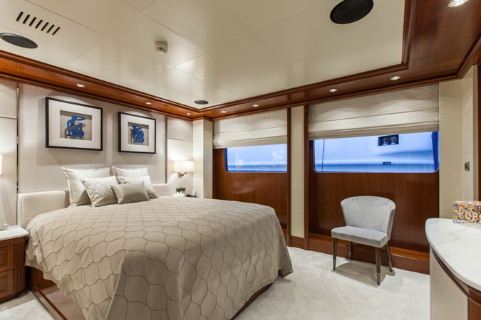 2004 GOLDEN YACHTS  Mega Yacht 2161825