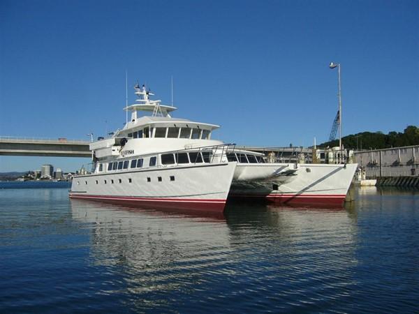 Forward Quarter 2009 CUSTOM Catamaran  2162981