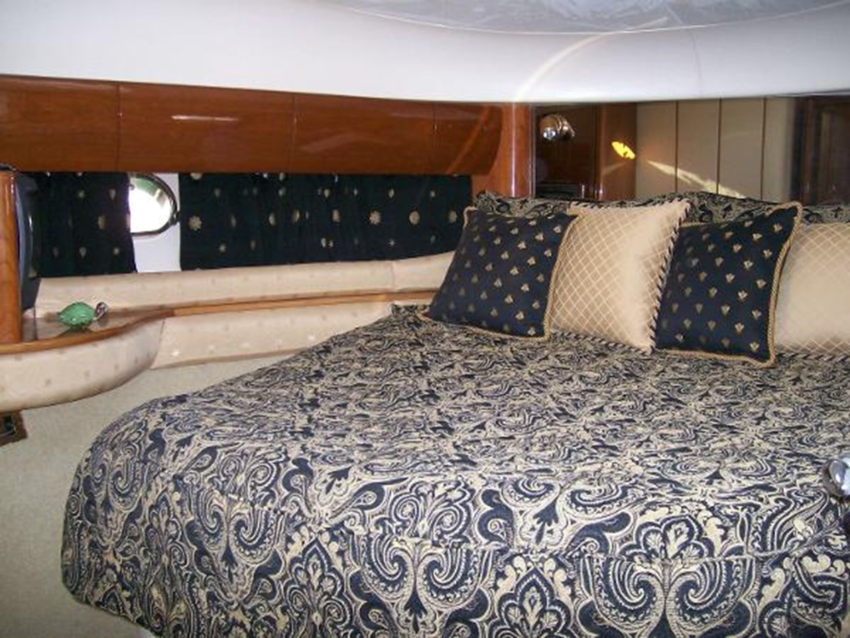 65' Princess Viking - Master Stateroom - 65 PRINCESS VIKING For Sale