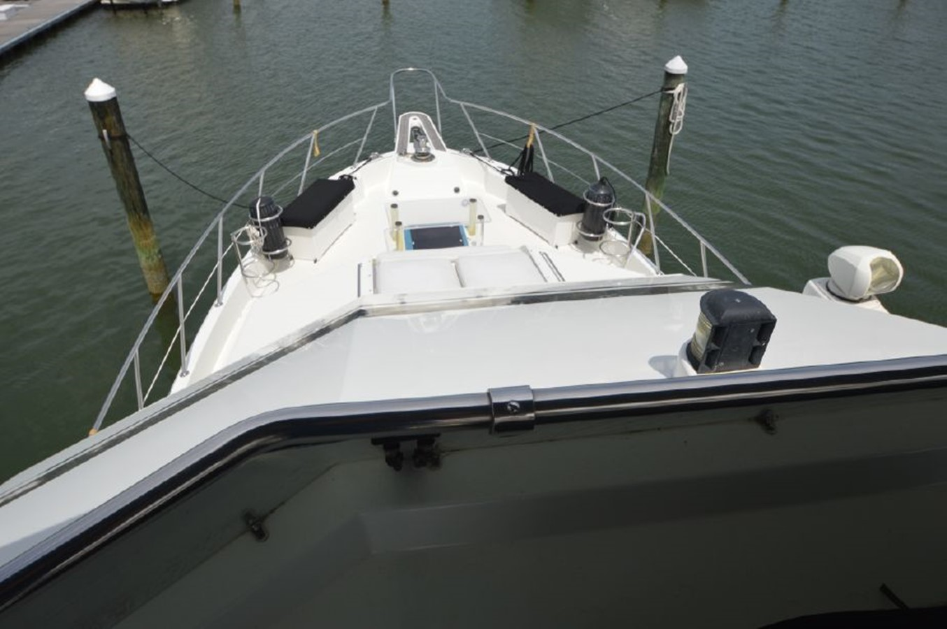 Bow - 54 HATTERAS For Sale