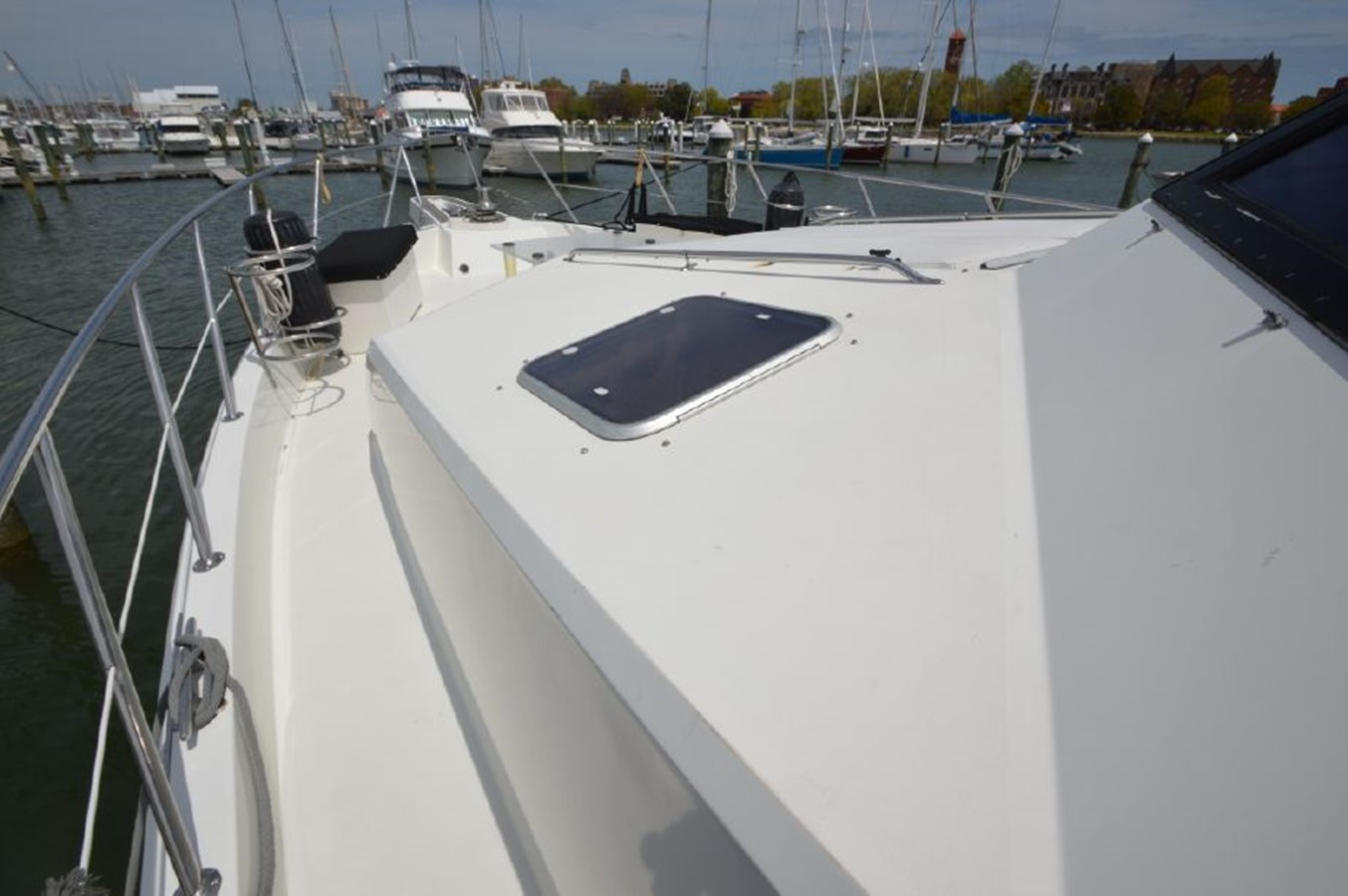 Foredeck - 54 HATTERAS For Sale