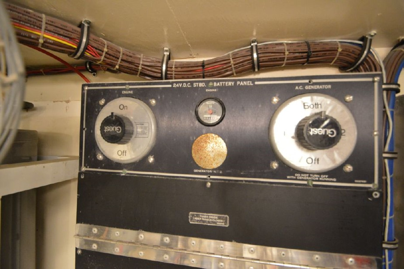 Stbd Engine Hours - 54 HATTERAS For Sale