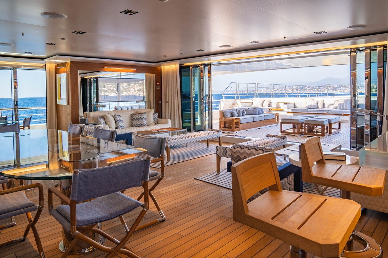 Inside Outside Lounge 2018 ADMIRAL Long Range Motor Yacht Motor Yacht 2339233
