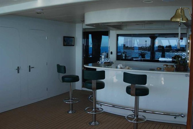 2004 WESTPORT Custom Cockpit Motoryacht  2173014