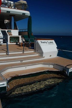 2004 WESTPORT Custom Cockpit Motoryacht  2173034